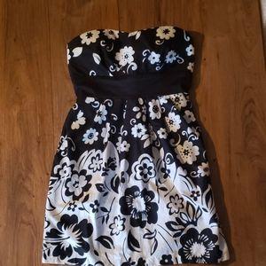 Black & white floral strapless mini dress
